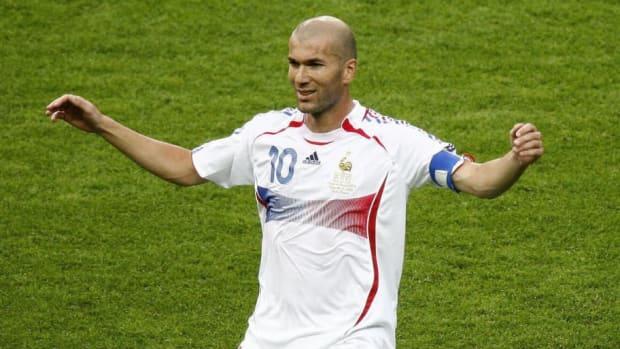 french-midfielder-zinedine-zidane-celebr-5d6e4d07c95b6a3f71000014.jpg