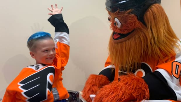gritty-surprises-kid-fan-hosptial.jpg