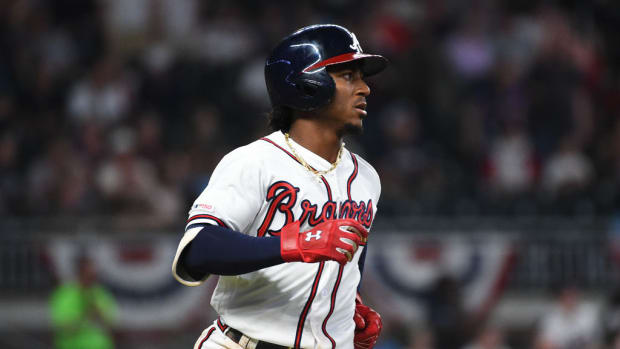 ozzie-albies-braves-extension.jpg