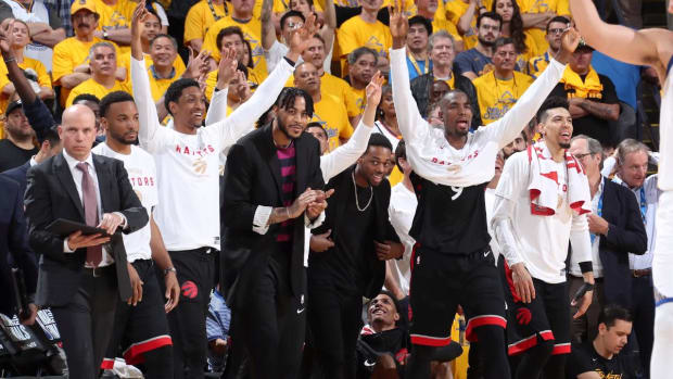 Raptors Take 2-1 Series Lead Despite 47 from Steph Curry--IMAGE