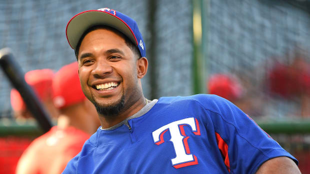 rangers-elvis-andrus-walkup-music-baby-shark.jpg