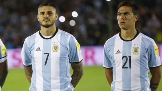 uruguay-v-argentina-fifa-2018-world-cup-qualifiers-5c6bf8f0f44f88eb4f000001.jpg