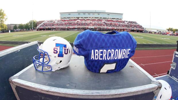 christion-abercrombie-jersey-helmet.jpg