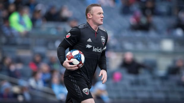 wayne_rooney_takes_dc_to_first_in_east.jpg