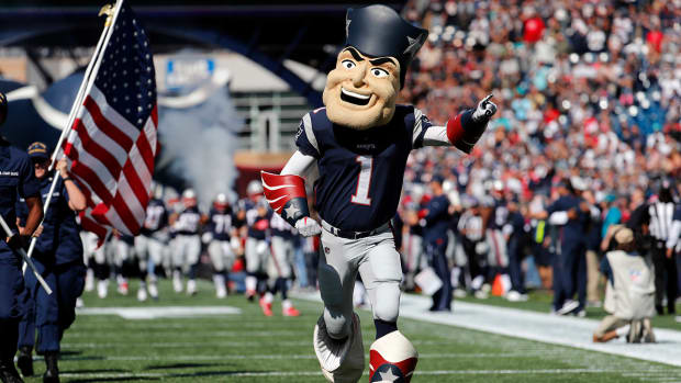 pat_patriot_mascot.jpg