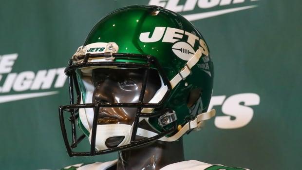 jets-gm-job-opening-helmet-mannequin.jpg