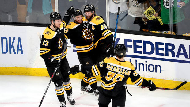 bruins-hurricanes-game-2.jpg