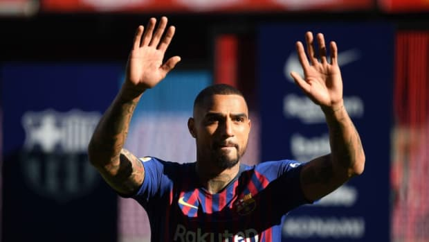 new-barcelona-signing-kevin-prince-boateng-unveiled-5d1b8c3aca8df66443000001.jpg