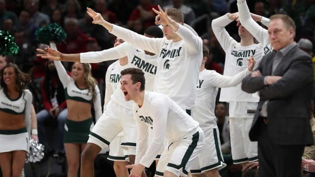 ncaa-tournament-bracket-predictions-march-madness-selection-sunday.jpg