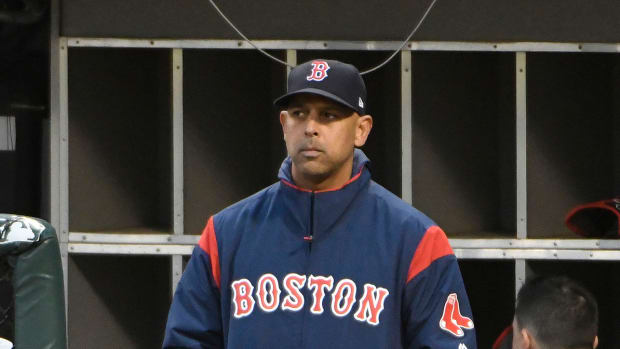 alex-cora-red-sox-white-house.jpg