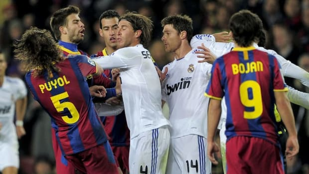 barcelona-s-captain-carles-puyol-l-rea-5c374ceddc76b1bd8f000001.jpg
