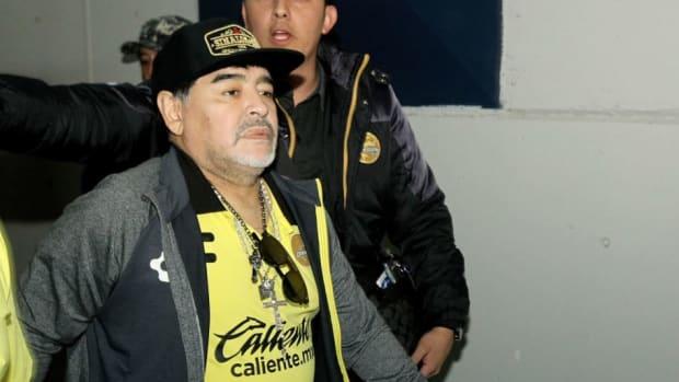 fbl-mex-san-luis-dorados-maradona-5c41b99d709eb436be000001.jpg