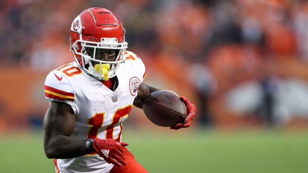 tyreek-hill-released-chiefs.jpg