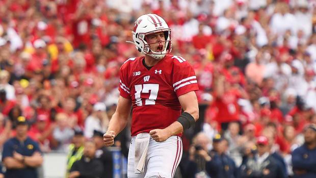 college-football-rankings-top-10-wisconsin-badgers.jpg