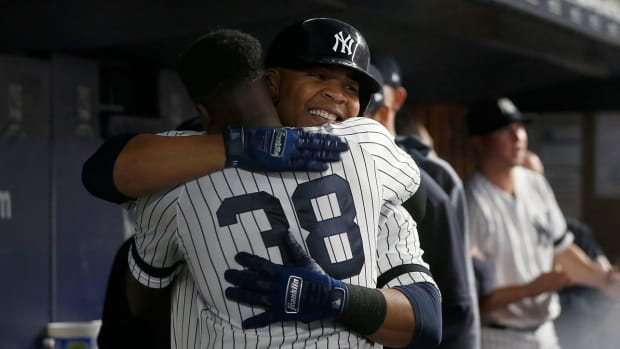 edwin-encarnacion-yankees-stock-ticker.jpg
