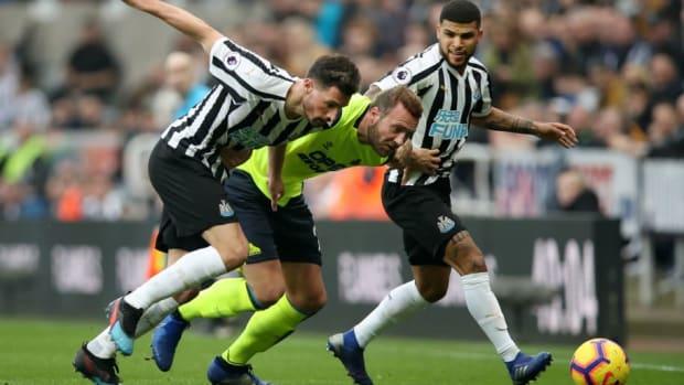 newcastle-united-v-huddersfield-town-premier-league-5c716c74dd4bc722fd000002.jpg