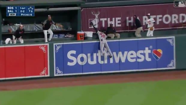 jackie-bradley-jr-game-saving-catch.jpg