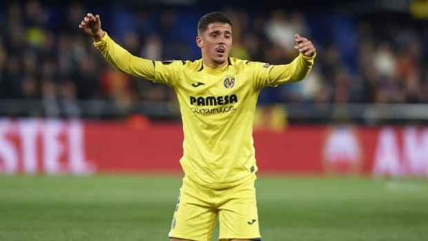 villarreal-v-valencia-uefa-europa-league-quarter-final-first-leg-5cff65843c4602e042000001.jpg