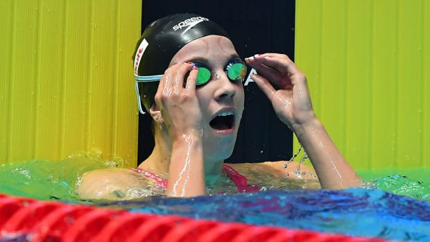 regan-smith-swimming-backstroke-record.jpg