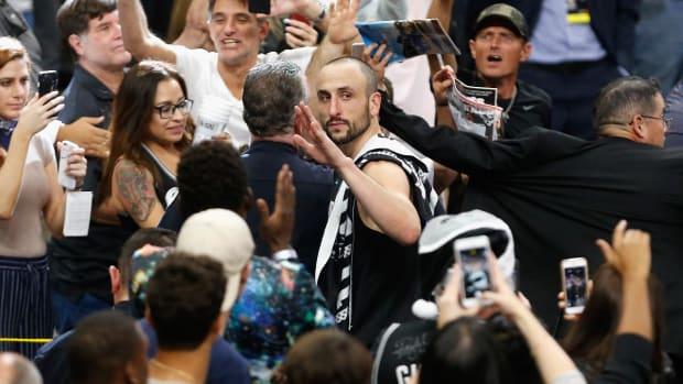 San Antonio Spurs Retire Manu Ginobili's Jersey--IMAGE