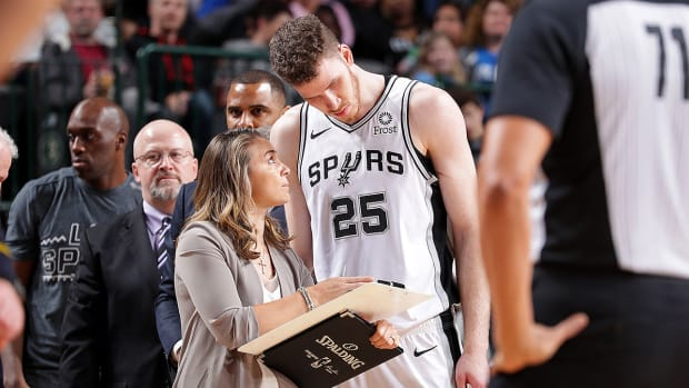 spurs-becky-hammon-ncaa-female-college-coaches-women.jpg