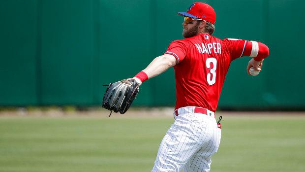 bryce-harper-exits-game-ankle-injury.jpg
