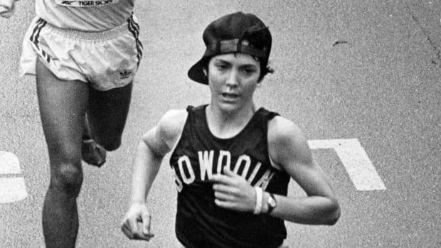 joan-benoit-boston-marathon-return.jpg