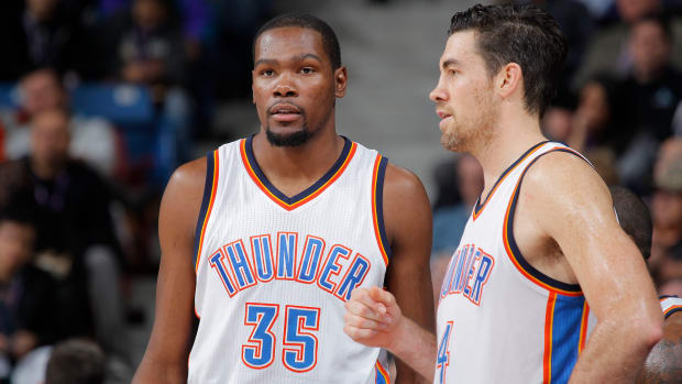 kevin-durant-nick-collison-jersey-retirement.jpg