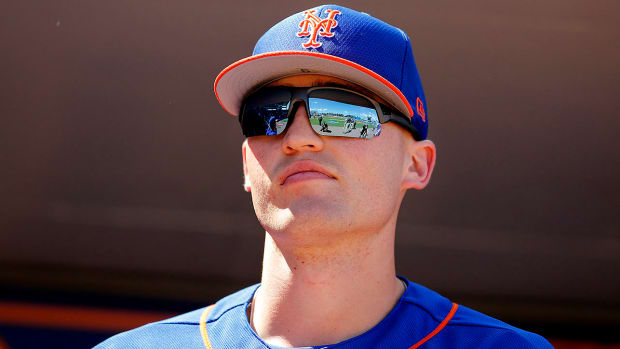 brandon-nimmo-gives-himself-food-poisoning.jpg