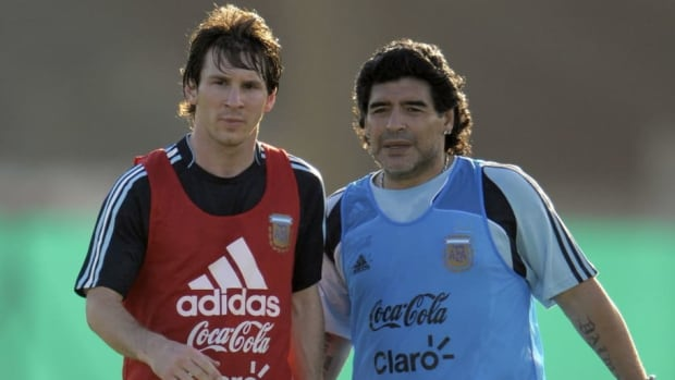 argentina-s-football-team-coach-diego-ma-5d7752b051ff54fbd2000001.jpg