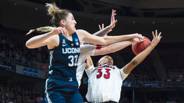 UConn Reaches 12th Straight Final Four With Win Over Louisville in Elite Eight - IMAGE