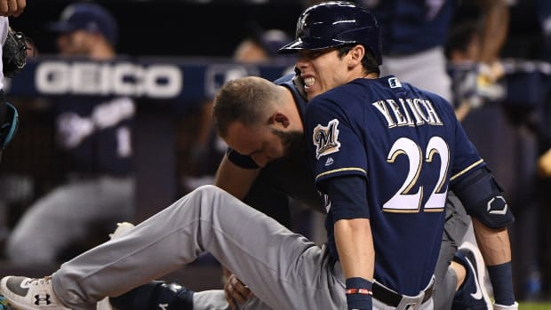 christian-yelich-injury.jpg