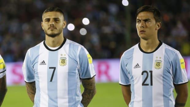 uruguay-v-argentina-fifa-2018-world-cup-qualifiers-5cba21c4fd3f534cad00002f.jpg