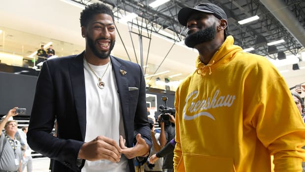 anthony-davis-lebron-james-superstar-duo-lakers.jpg