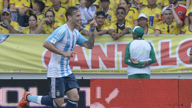 colombia-v-argentina-fifa-2018-world-cup-qualifiers-5c9a23d351e8ab7df9000001.jpg