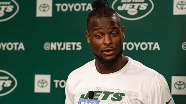 Le'Veon Bell Rips His Social Media Haters in Epic Instagram Rant