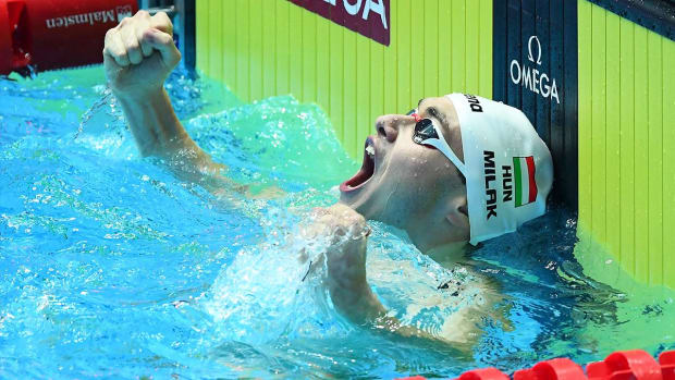 Hungarian Teenager Smashes Michael Phelps' World Record in the 200m Fly