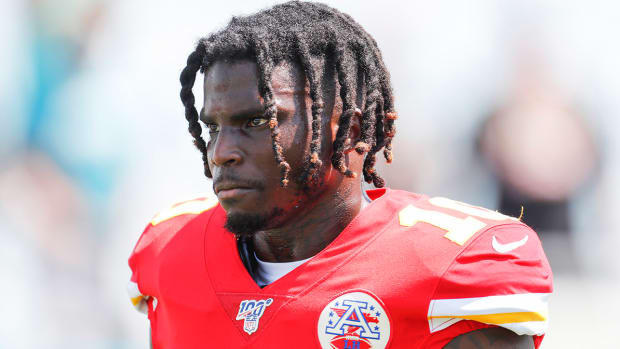 tyreek-hill-chiefs-injury.jpg