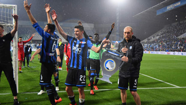 atalanta_celebrates_getting_champions_league_place.jpg