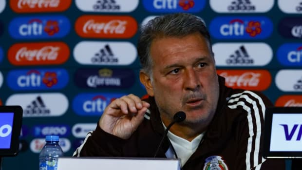 mexico-national-team-training-session-press-conference-5c930b2092243bf7df000001.jpg