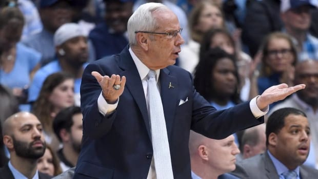North Carolina Coach Roy Williams Collapses After Vertigo Attack, Doesn't Return for Second Half--IMAGE