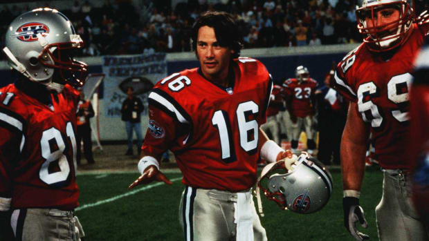 replacements-keanu-reeves-bad-football-movies-podcast.jpg