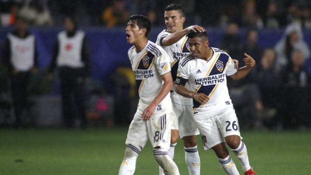 chicago-fire-v-los-angeles-galaxy-5cf38c7f925644754e000001.jpg