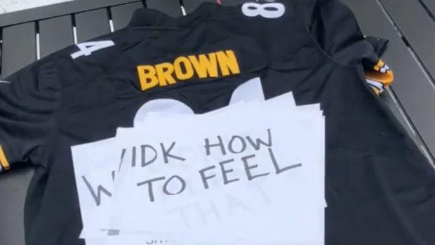 antonio-brown-fake-jersey-burning-video.jpg
