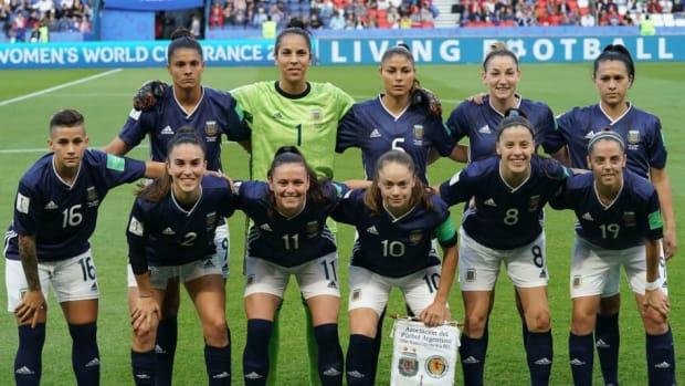fbl-wc-2019-women-match32-sco-arg-5d2cfd73f9c6ec8a22000001.jpg