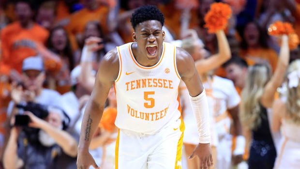 admiral-schofield-tennessee-colgate-march-madness-watch.jpg