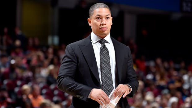 ty-lue-agrees-to-lakers-contract.jpg