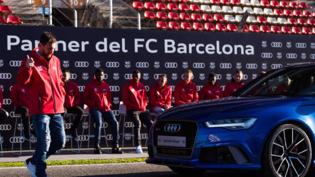 fc-barcelona-audi-car-handover-5d341f2b3bba5e3d15000001.jpg