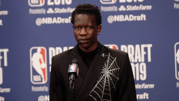bol-bol-nba-draft-oregeon-podium.jpg