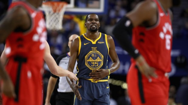 kevin-durant-longshot-game-2-warriors.jpg